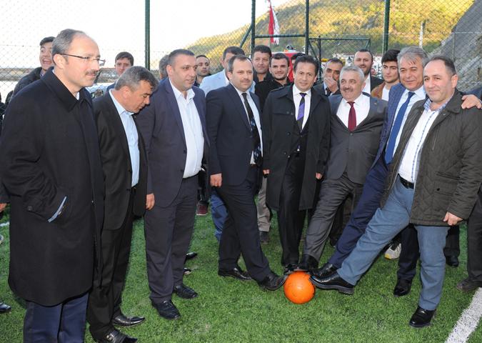 Tuzla Belediyesi, Doğanyurt'ta Halı Saha Yaptırdı