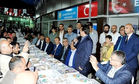 Dernekler, Hemşehrilerini Tuzla Belediyesi Anadolu Kültür Merkezi'nde Ağırlıyor