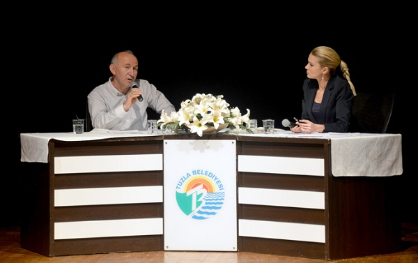 """28 Şubat Sürecinin """"Tarihten Yansımalar""""ı Tuzla'da Konuşuldu"""