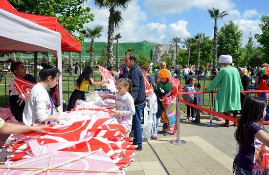 Tuzla Belediyesi Şelale Eğitim Parkı, Uçurtma Şenliği ile Renklendi