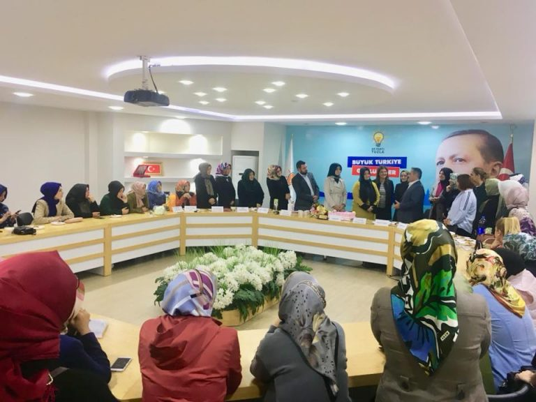 AK Kadınlarda Nurhan Erdem'in Yeni Yönetimi Belli Oldu