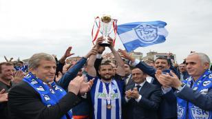 Şampiyon Tuzlaspor Kupasını Aldı