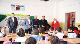 Başkan Yazıcı, Okula İlk Adımını Atan Minikleri Yalnız Bırakmadı