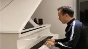 """Başkan Yazıcı'dan """"Sağlık Çalışanlarına"""" Mini Konser"""