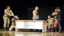 'Zırhlı Yürekler', 15 Temmuz Ruhunu Sahneye Taşıdı