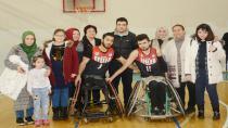 Özel Çocuklarımız, Engelleri Aşan Basketbol Takımına Gönülden Destek Verdi