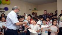 Bilgi Evleri'nde Takdir Alan Öğrencilere Madalya Verildi