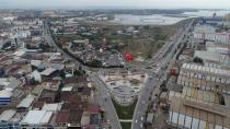 Tuzla Belediyesi, 15 Temmuz Destanı'nın 2. Yıl Dönümünde Bayrağımızı 63 Metre Yükseklikten Dalgalandırdı