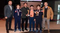 Tuzla'nın Şampiyonlarına Masa Tenisi Takımı da Eklendi