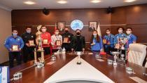 Tuzla'da 2020 Yılında Başarılı Olan Sporculara Ödüllerini Başkan Yazıcı Verdi
