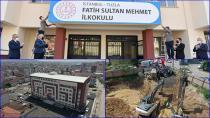 Tuzla'da Bir Okulun Tabelası Asıldı, Bir Okulun Da Temeli Atıldı